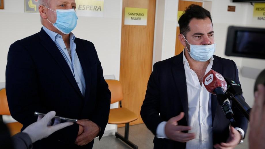 Bonelli junto al ministro Zgaib, el 12 de junio pasado, cuando una comitiva del Ministerio de Salud de la Nación estuvo en Roca.