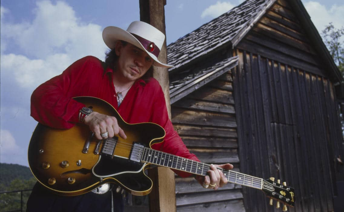 """Stevie Ray Vaughan, la leyenda de la """"esperanza blanca"""" del blues"""
