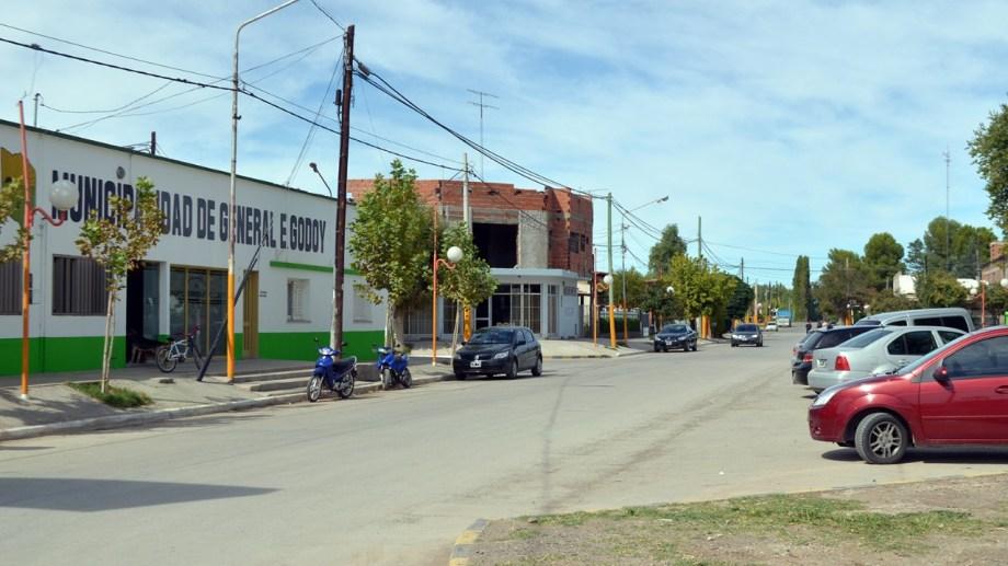 El municipio de Godoy estableció multas para quienes incumplan con las nuevas restricciones dispuestas. (Foto Néstor Salas)