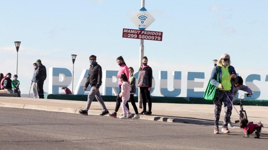 Los domingos seguirá la restricción para circular en Neuquén. Foto: archivo Oscar Livera.