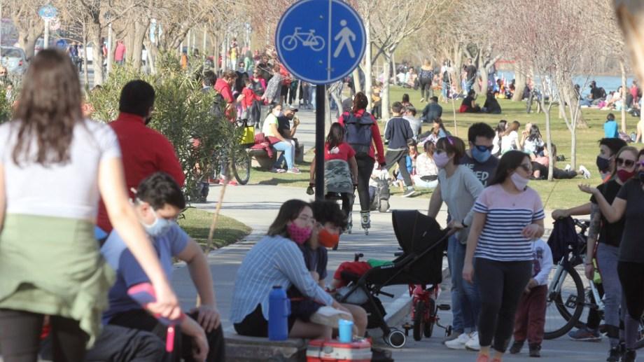 El domingo aumentarán los controles en Neuquén  capital, para reducir la circulación.