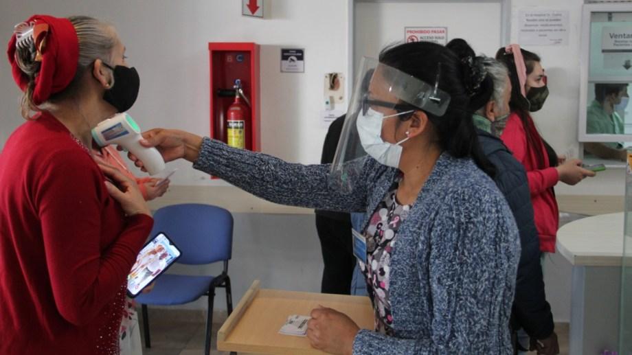 El hospital Castro Rendón está bajo gran tensión por la alta demanda. Foto: archivo Oscar Livera