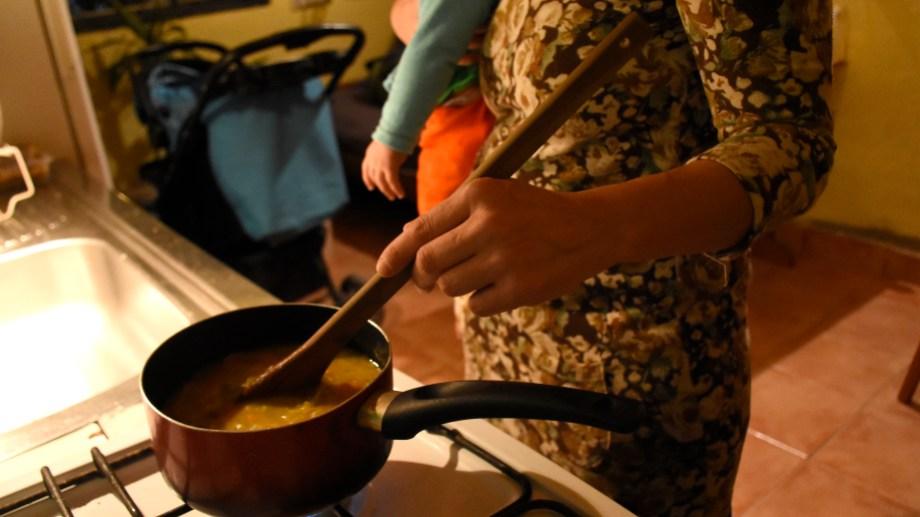 El 93,6% de quienes se dedican al trabajo doméstico son mujeres en el país. Foto Florencia Salto.