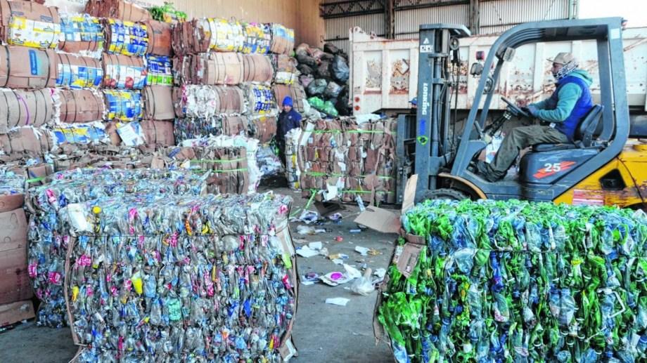 La planta de reciclado de Bariloche opera nuevamente desde junio con un esquema reducido. Archivo