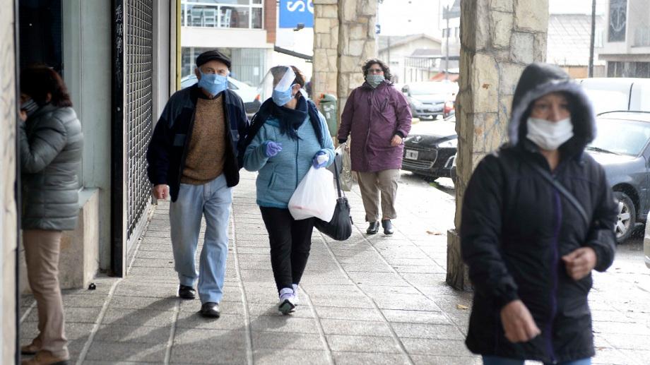 Desde marzo hasta la fecha, 1.467 personas contrajeron la COVID-19 en Bariloche de las cuales 1.067 se curaron y 27 murieron. (Foto: archivo)