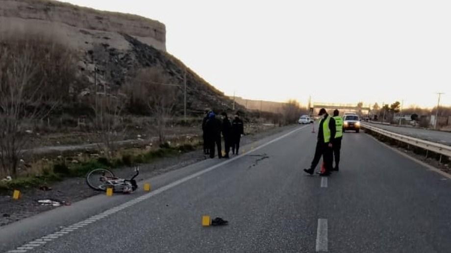 Efectivos de la policía realizaron varias pericias esta mañana en la zona donde ocurrió el accidente. (foto: gentileza)