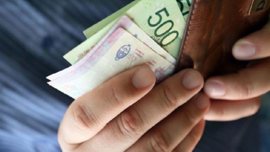 El viernes se le pagará el aguinaldo a los trabajadores estatales de Neuquén.