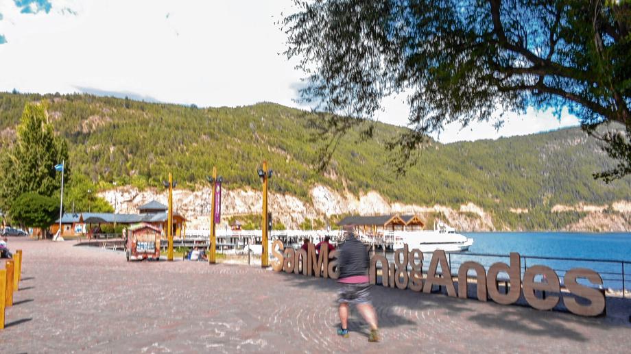 La habilitación para actividades turísticas en la provincia  fue otorgada por el jefe de Gabinete, Santiago Cafiero. Foto archivo.