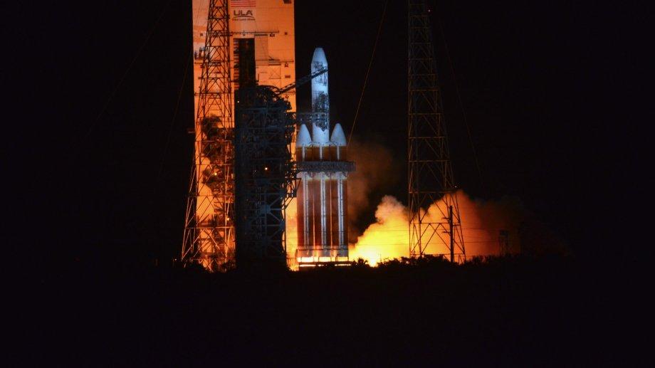 El cohete Delta 4-Heavy encendió sus propulsores sólo unos segundos antes de abortar la misión.