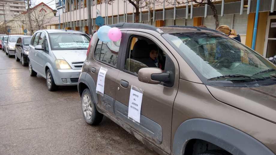 Desde el año pasado docentes y propietarias de jardines se movilizan en Roca para pedir una asistencia y la reapertura. (foto: archivo)