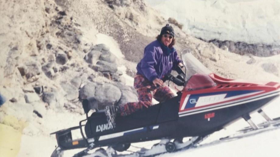 Nito Zingoni en una de las excursiones al volcán Copahue, en 1993.