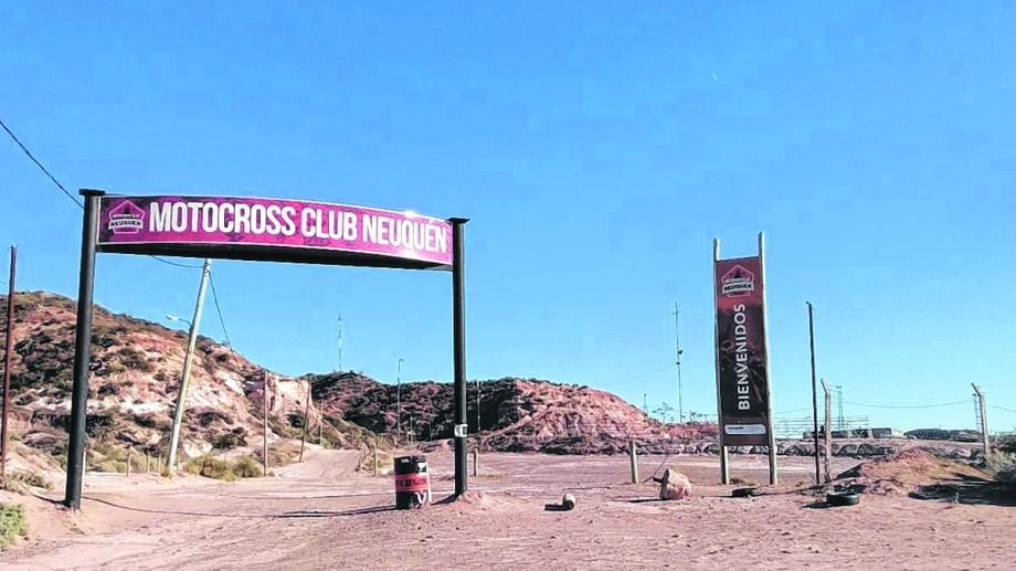 El circuito de motocross está dentro de un área protegida. (FOTO: Yamil Regules)