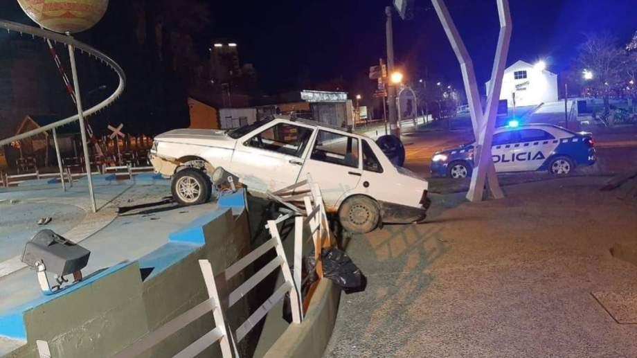 El conductor se negó al test de alcoholemia cuando llegó la policía. Foto: Gentileza Centenario digital