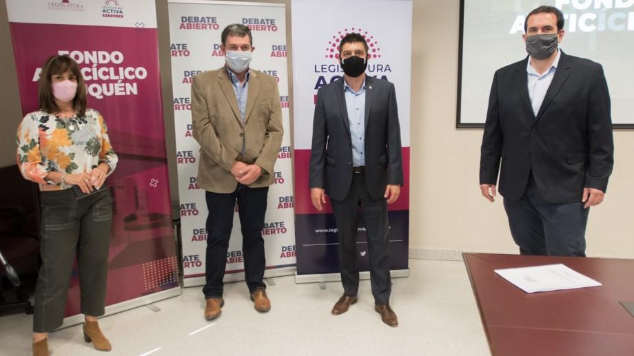 Norberto Bruno y Pablo Cervi estuvieron en forma presencial y Graciela Landriscini en forma virtual (Prensa Legislatura)