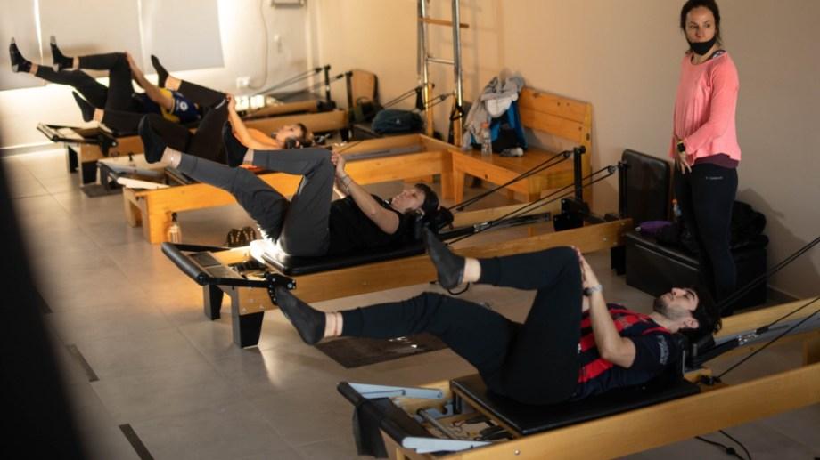 Las clases de pilates, entre tantos beneficios, tienen la virtud de ser aptas para todo tipo de público. (Foto: Gonzalo Maldonado)
