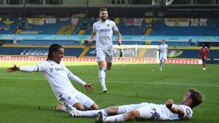 El equipo del Loco sumó su primer triunfo en la Premier League. (Foto: AP)