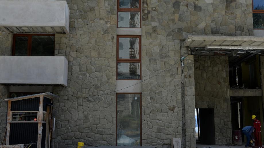 En los últimos tres meses y medio, la Subsecretaría de Gestión Urbana de Bariloche recibió 623 expedientes privados con pedidos para iniciar obras en la ciudad. Foto: archivo