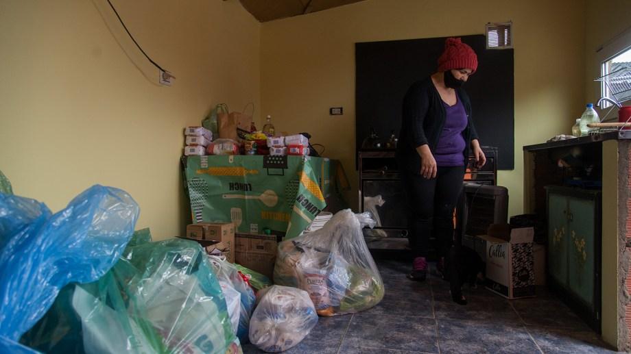 El merendero Los Corazones de Beatriz recibió la donación de alimentos y artículos de limpieza del cerro Catedral. Foto: Gentileza