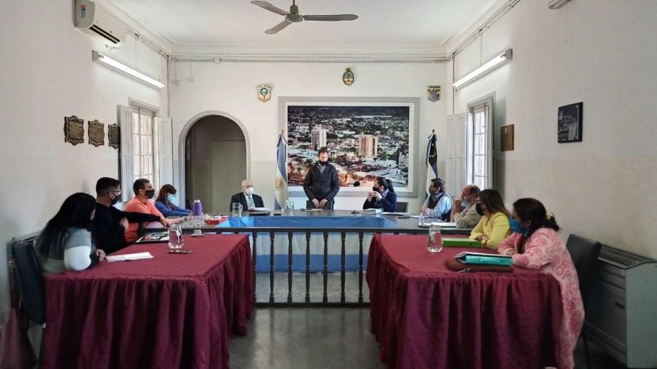 Los concejales de Regina sesionarán por Zoom mientras permanecen aislados. (Foto Néstor Salas)