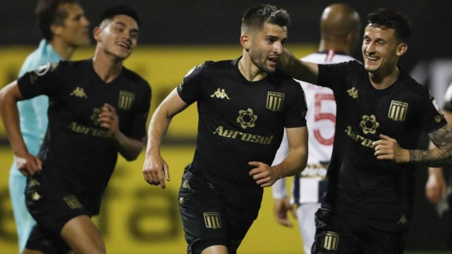 Garré metió el 2 a 0 en lo que fue su primer gol en primera.