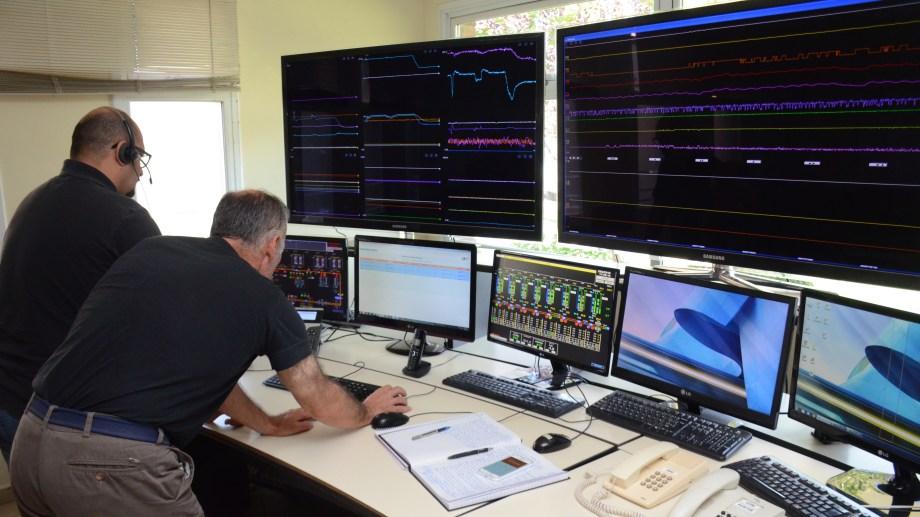 Desde las oficinas de la firma en Cipolletti se controlan los oleoductos que recorren gran parte del país.