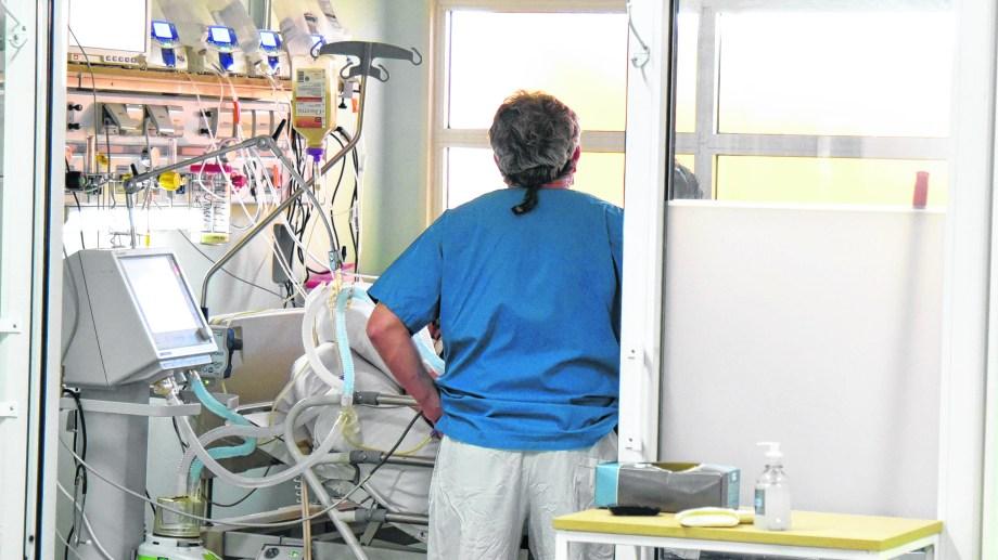 """Los respiradores son considerados """"clase III"""" entre los cuatro niveles de riesgo de Anmat."""