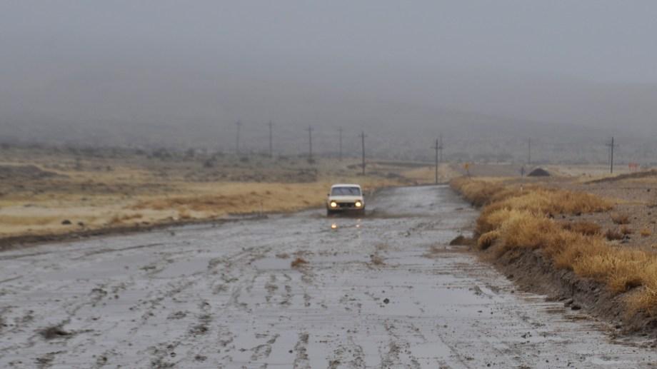 """En invierno, la nieve y las lluvias generan complicaciones en los tramos de ripio, que obligan a Vialidad Nacional a tener que  """"cerrar la ruta"""" al tránsito. Foto: José Mellado."""