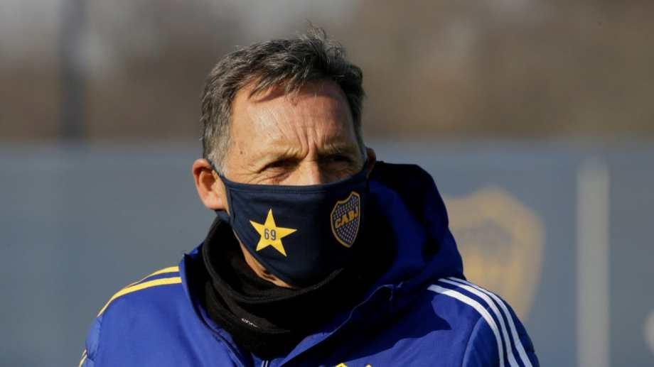 El entrenador dirigirá el entrenamiento de mañana.