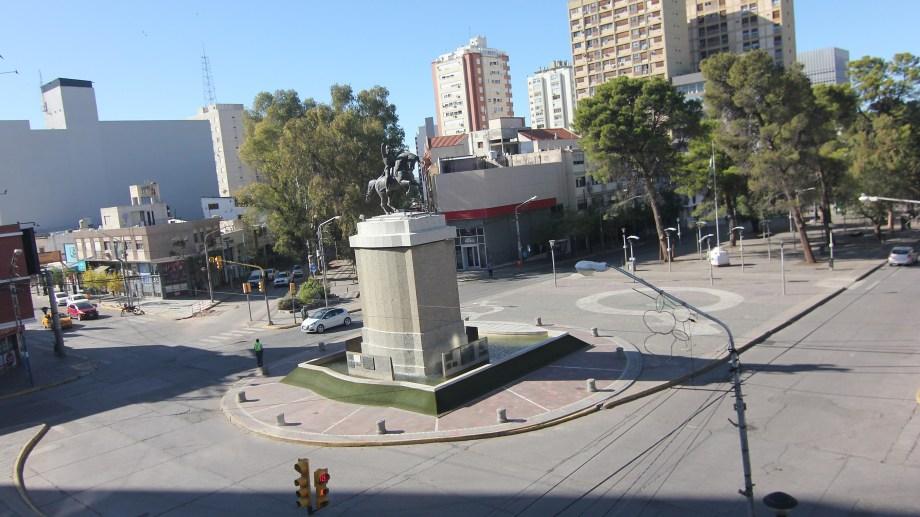 El monumento será el punto en Neuquén donde se concentrarán las manifestaciones a favor de la ley. Foto: archivo Oscar LIvera