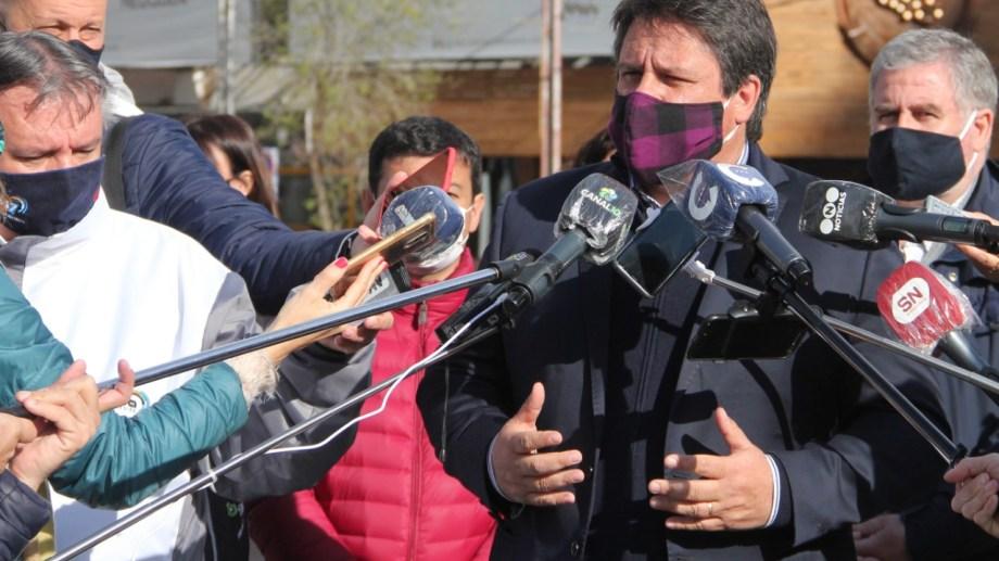 Gaido en conferencia de prensa durante la pandemia (foto Oscar Livera)