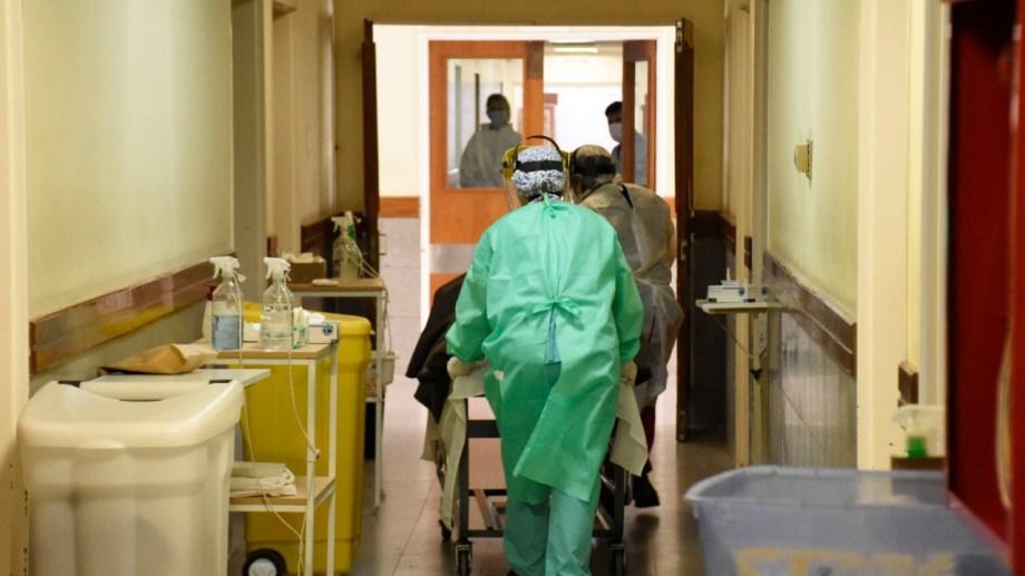 La ocupación total o casi total de camas de terapia intensiva viene siendo una constante en Neuquén y Río Negro. (Florencia Salto).-