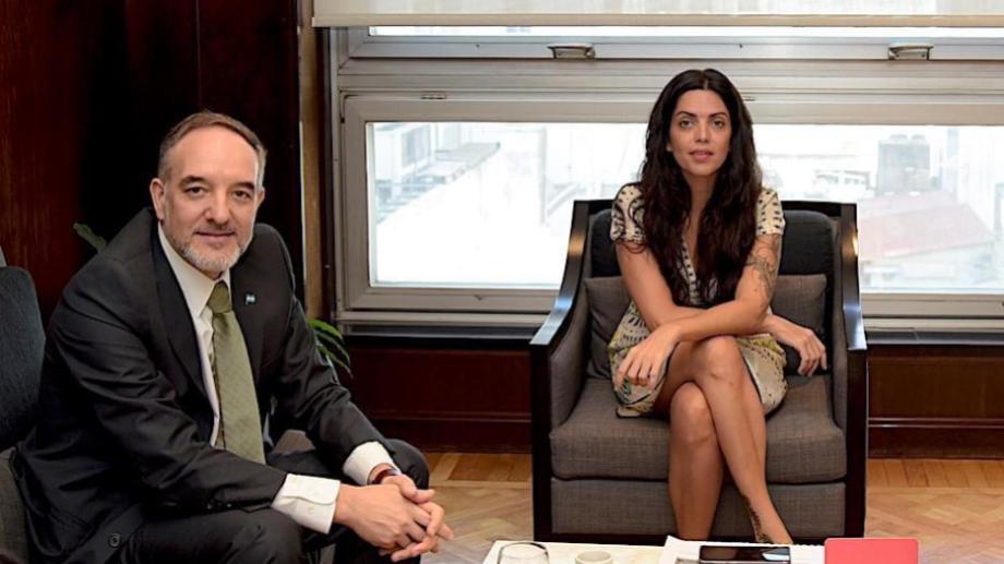 Los envíos fueron confirmados por el senador Martín Doñate que se reunió con  la directora del PAMI, Luana Volnovich.