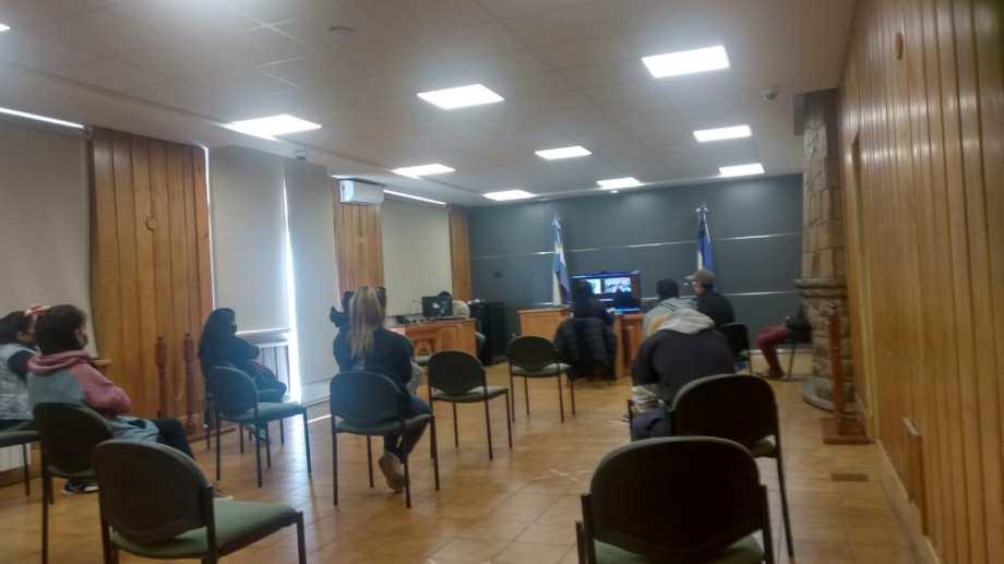 La audiencia de formulación de cargos se hizo este miércoles por la tarde, con la presencia de los acusados y la defensora oficial. (Foto Gentileza)