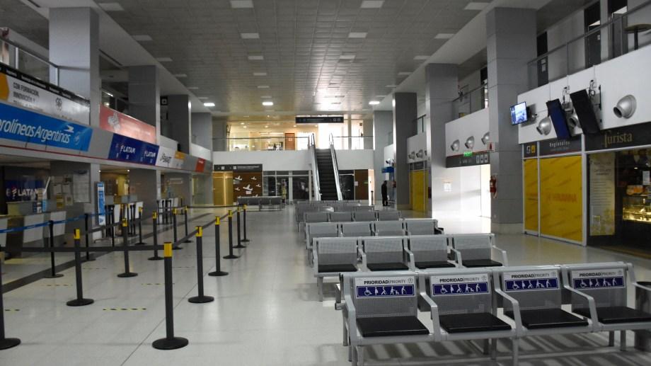 El aeropuerto de Neuquén comenzará a recibir vuelos comerciales este viernes. (Foto: Florencia Salto)