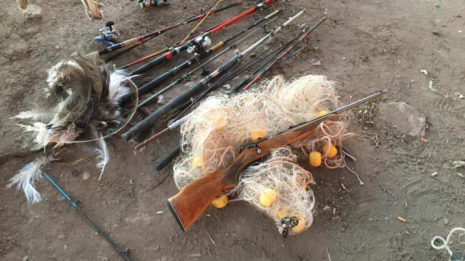 Entre los elementos se secuestraron cañas y redes de pescar. Foto: gentileza Guardafaunas de Neuquén