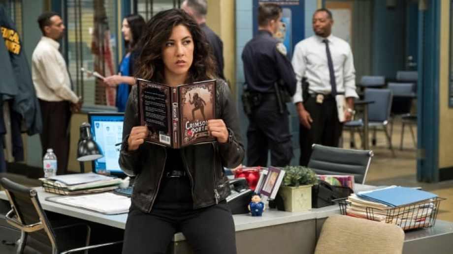 La actriz interpreta el papel de Rosa Diaz, en la  sátira policial. Foto: gentileza FOX