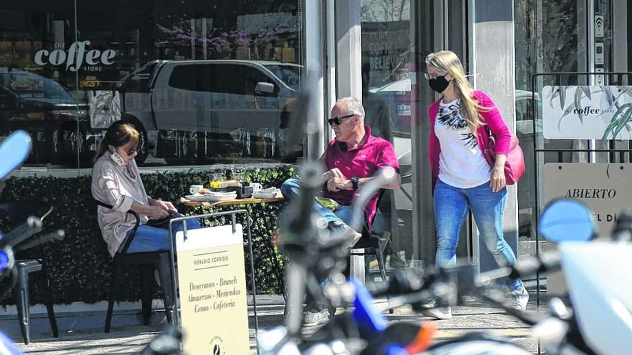 Solo cinco locales solicitaron autorización para instalar mesas y sillas en la calle.