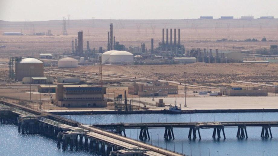El puerto de exportación de petróleo ubicado en Brega fue uno de los primeros el volver a operar. (Foto: gentileza)