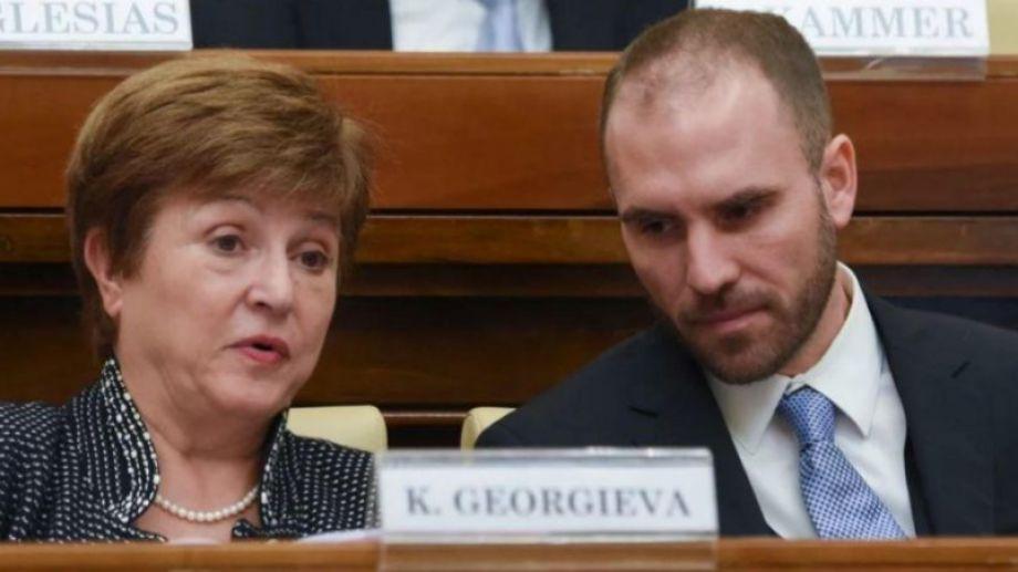 La titular del FMI, Kristalina Georgieva, y el ministro Guzmán.