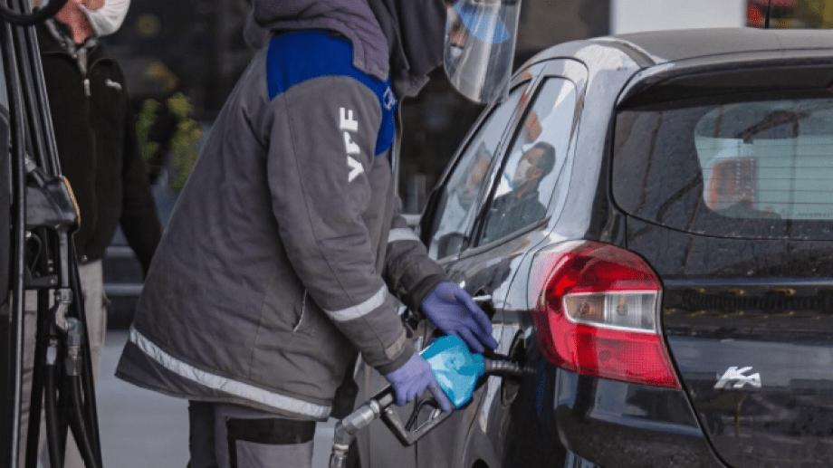 Las ventas de combustibles en el país siguen un 25% por debajo de lo que se demandó en febrero. (Foto: Juan Thomes)