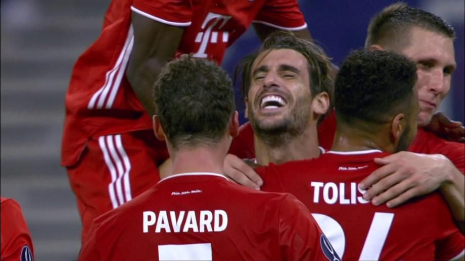Javi Martínez llegó desde el banco para marcar el segundo de Bayern en Budapest.