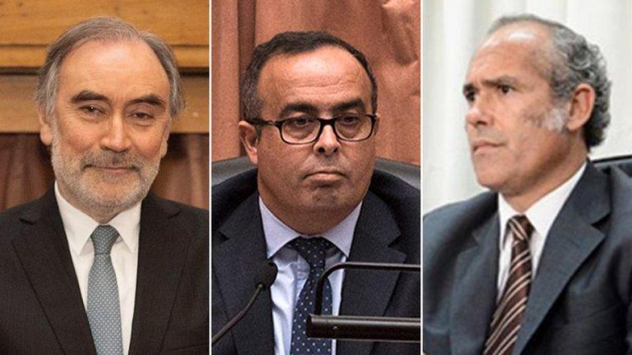 Los jueces Bruglia, Bertuzzi y Castelli deberán volver a sus cargos que el macrismo les asignó hasta que se resuelva la cuestión de fondo.