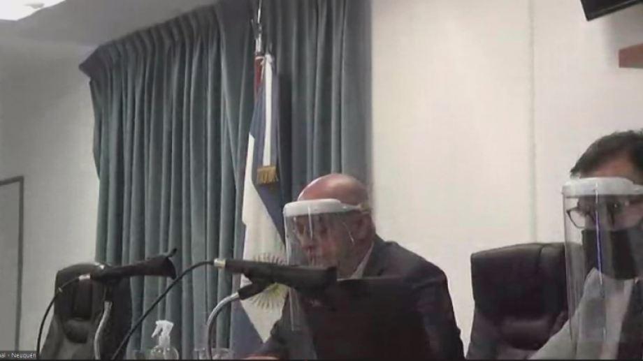 Los jueces Zvilling y Zabala cumplieron el protocolo sanitario durante la audiencia.