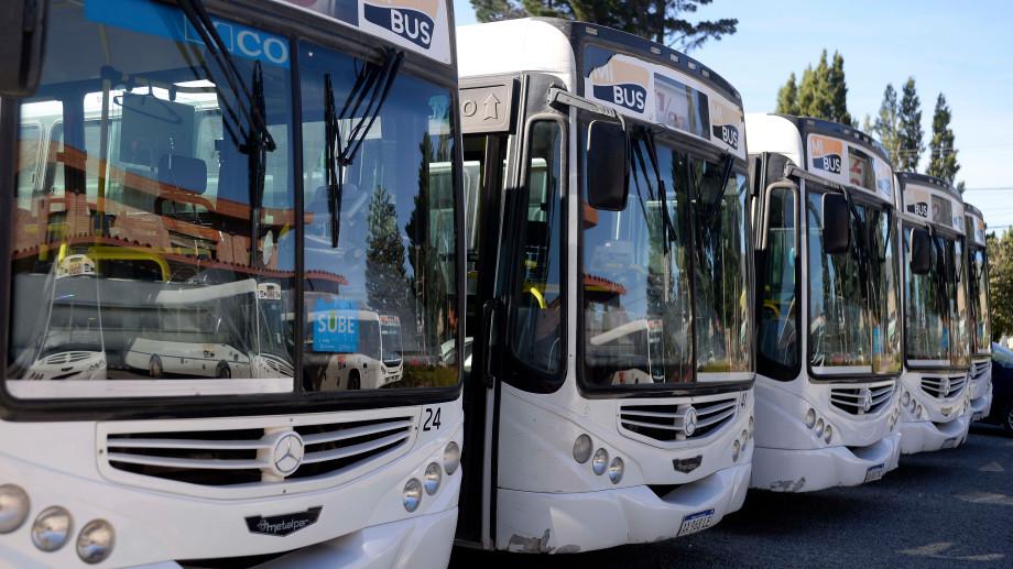 El paro del transporte en Bariloche se inició el viernes por la falta de pago de los salarios de agosto. Archivo
