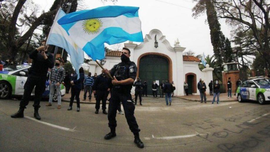 El reclamo de la policía de Buenos Aires en la Quinta de Olivos.