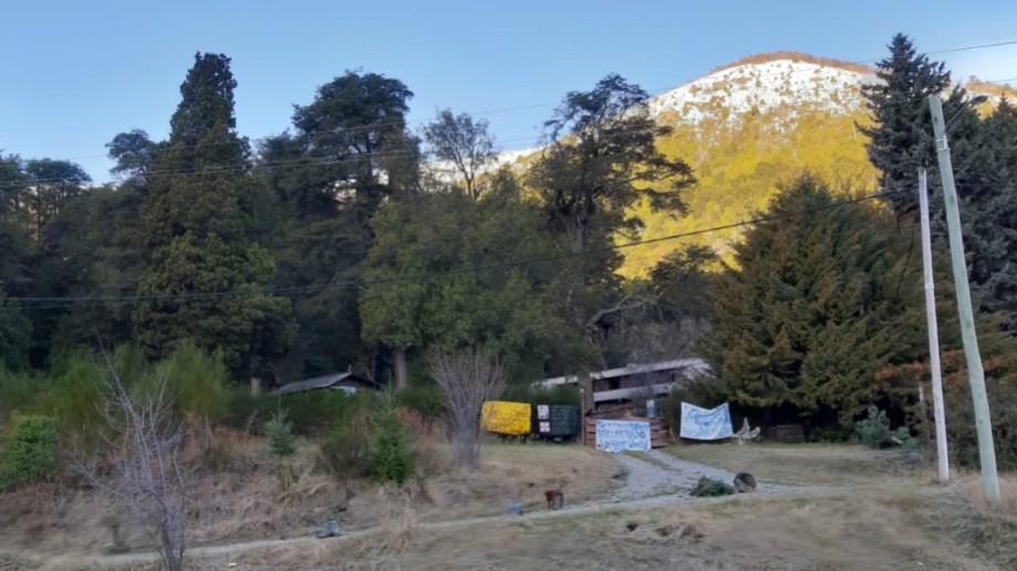 La comunidad mapuche Lafken Winkul Mapu tomó el 1 de abril pasado el predio que el Obispado de San Isidro tiene en Villa Mascardi, a unos 35 kilómetros al sur de Bariloche. (Foto archivo)