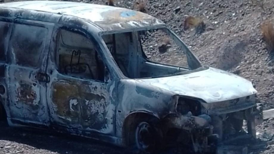Cerca de las 15 encontraron la Peugeot Partner en la zona de la barda norte. (foto: gentileza)