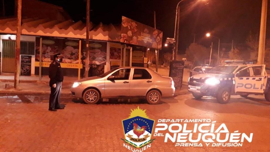 Dos hombres fueron detenidos en Neuquén, tras cometer un robo y disparar contra la policía. (Foto: Gentileza).