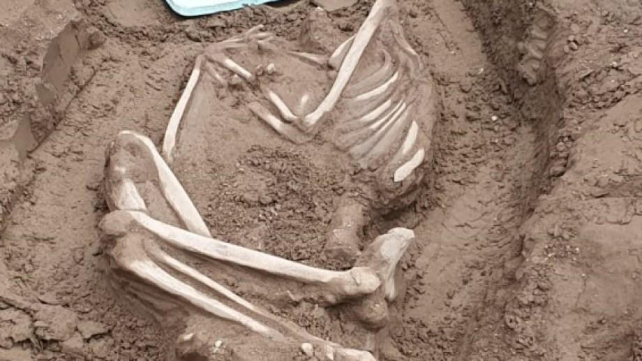 Podrían ser los restos más antiguos encontrados en la ciudad. La data de muerte es superior a los 100 años. (Foto: gentileza)