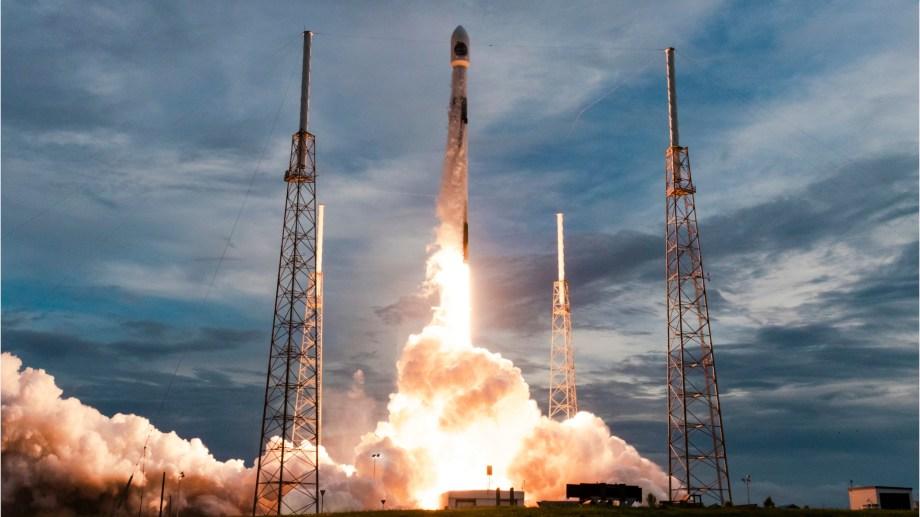 1- El satélite argentino de observación de la tierra SAOCOM 1B, de la Comisión Nacional de Actividades Espaciales (CONAE), fue lanzado el 30 de agosto desde las instalaciones de la empresa SpaceX, en Cabo Cañaveral, Estados Unidos, a bordo del lanzador Falcon 9.